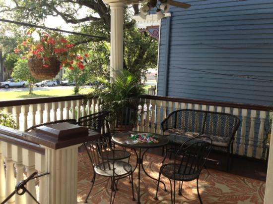 Elysian Fields Inn: Front porch (right side only)