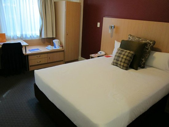 Ibis Sydney World Square: Queen Size bed