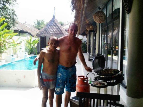 Dhevan Dara Resort & Spa Hotel: BBQ time ^__^