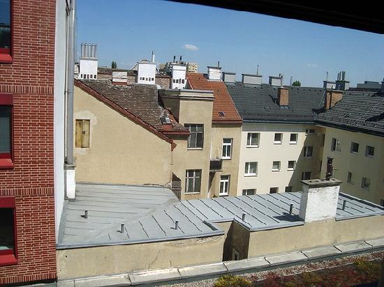 Austria Trend Hotel Donauzentrum: View from room