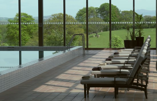 The Dunloe: Pool & View