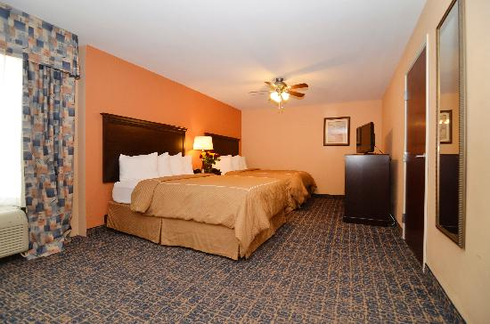 Comfort Suites Gateway: Two Double Bed Suite