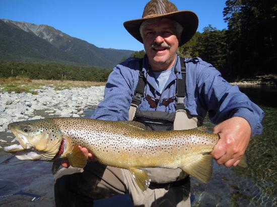Owen River Lodge: 7 1/2 lb brown