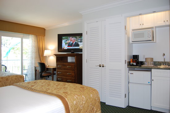 Clarion Del Mar Inn: getlstd_property_photo