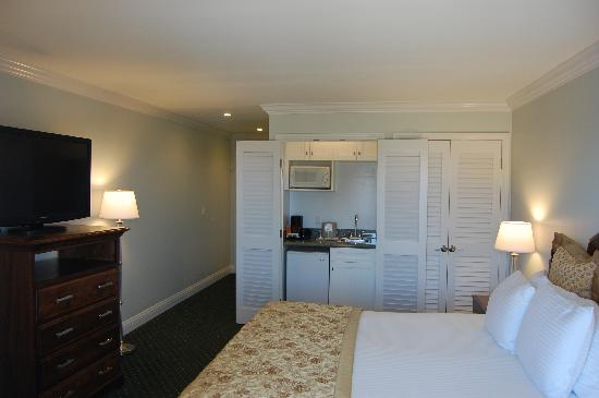 Del Mar, Californië: Newly remodeled King bed room w wet bar