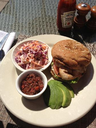 Sheraton Cerritos Hotel at Towne Center: Chicken Burger