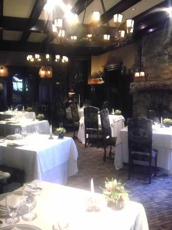 Castle on the Hudson: Dining room with fireplace