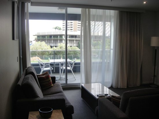 Meriton Serviced Apartments - Broadbeach: View from Room (level 4 but actually 1st floor)