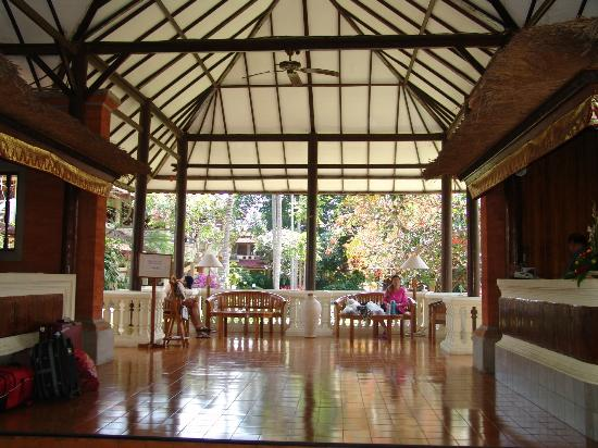 Dhyana Pura Beach Resort: reception area
