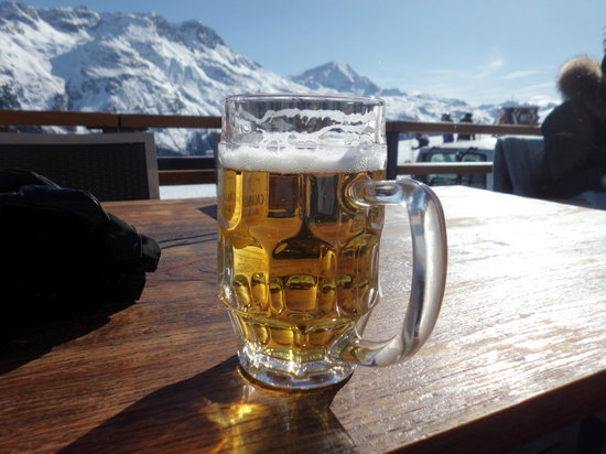 Restaurant Salastrains: Beer was cold and tasty!