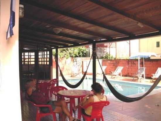Managua Backpackers Inn: Pool Area