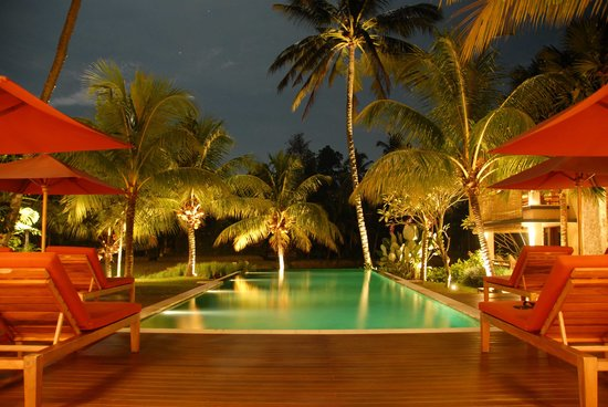 Villa Sabandari: Pool by Night