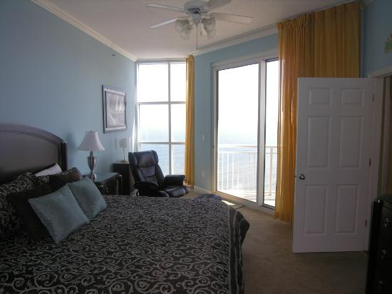 Palacio Condominiums: Master bedroom looking south toward ocean