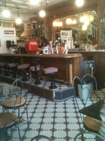 The 10 best restaurants near ozark folk center state park for Old fashioned soda fountain near me