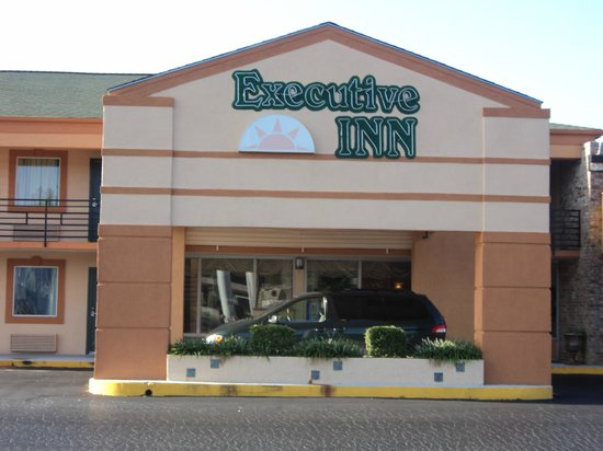 Executive Inn Locust Grove