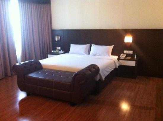The BCC Hotel &amp; Residence: Very spacious room and clean bed