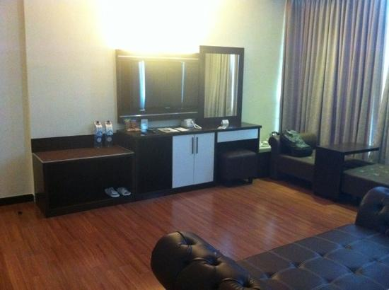 The BCC Hotel &amp; Residence: LCD TV