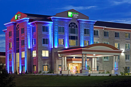 Holiday Inn Express Hotel & Suites Somerset Central: Exterior dusk
