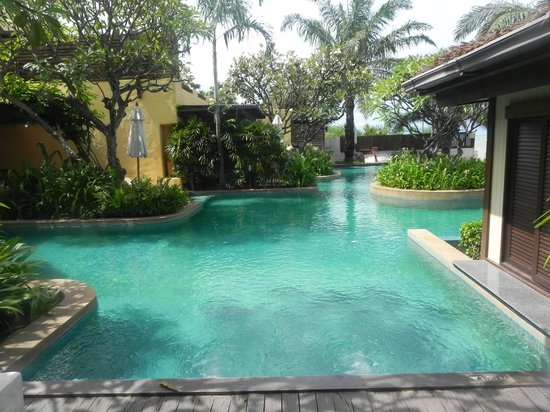 Aleenta Resort Pranburi : pool