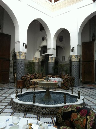 Riad El Yacout: courtyard