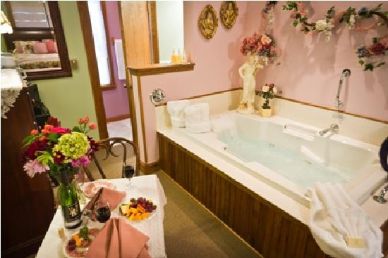 Westby, WI: Victorianne Room