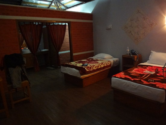 PYI Guesthouse and Restaurant