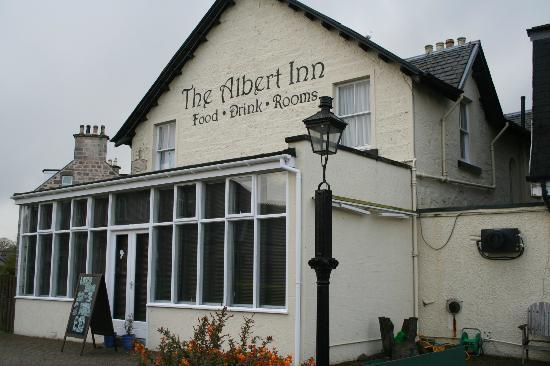 The Albert Inn: Side view from car park