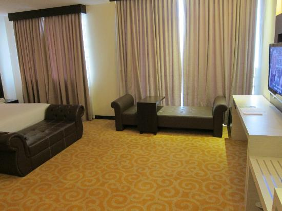The BCC Hotel &amp; Residence: Huge Room