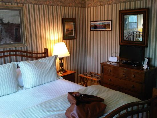 Captain Jefferds Inn: Katahdin Suite
