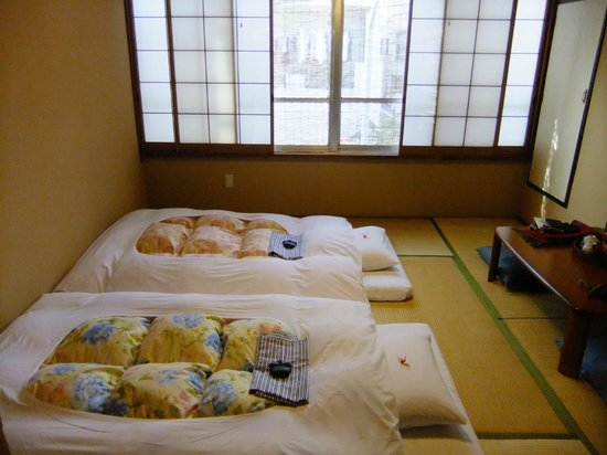 Ryokan Sawanoya: Beautifully presented bedroom, every day