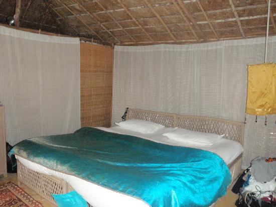 Dwarka Eco Beach Resort: bedroom