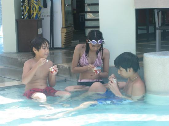 Acuatico Beach Resort &amp; Hotel: Ice Cream on a hot day