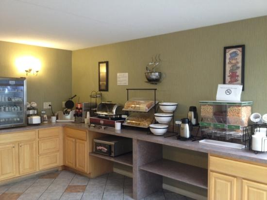 Comfort Inn Easton: good hot breakfast with wide selection