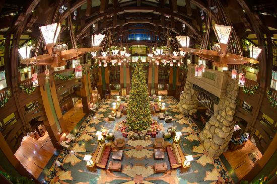 Disney's Grand Californian Hotel: Lobby