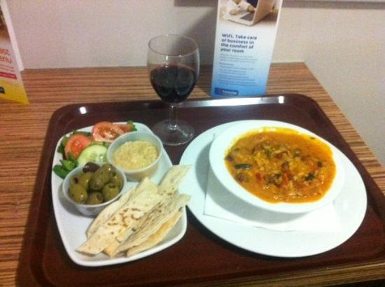 Travelodge Cambridge Orchard Park : dinner, mezze starter and risotto main