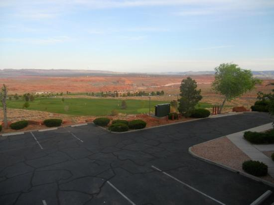 BEST WESTERN View of Lake Powell Hotel: Morning view from Rm 107