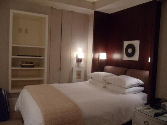 City Club Hotel: Habitacion
