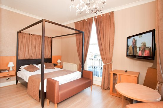 Grand St Leger Hotel: Room 101