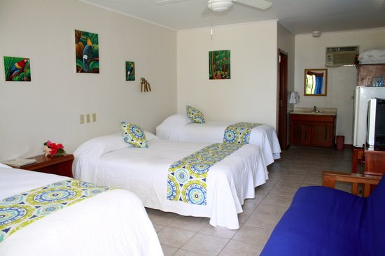Holiday Hotel: Spacious rooms