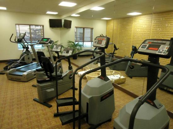 La Quinta Inn &amp; Suites Chicago North Shore: Fitness center