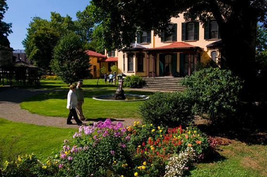 Finger Lakes, Seward House in Cayuga County