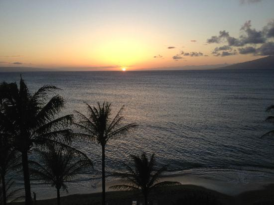 Sands of Kahana: Beautiful sunset