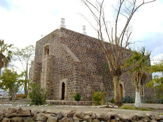 http://media-cdn.tripadvisor.com/media/photo-s/02/71/ec/24/mision-santa-rosalia.jpg