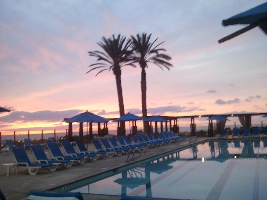 Grand Pacific Palisades Resort and Hotel: Adult pool at sunset