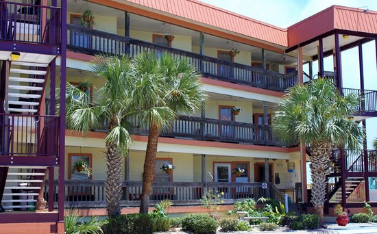 The Saint Augustine Beach House: Three Story with Private Entrances