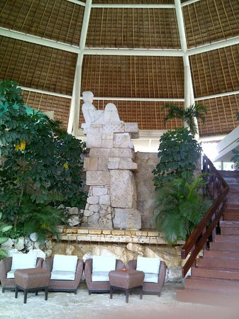 Park Royal Cozumel : lower lobby
