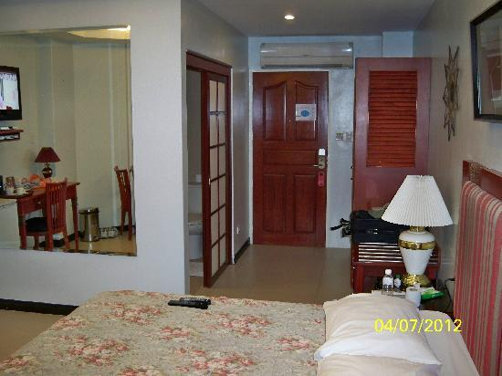 Wild Orchid Resort: ROOM
