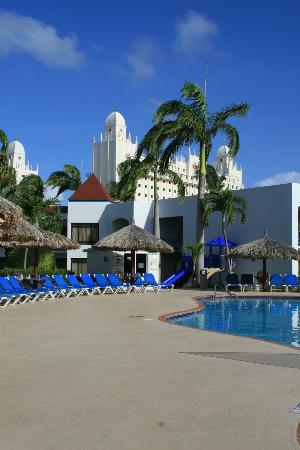 The Mill Resort & Suites: Piscina do hotel