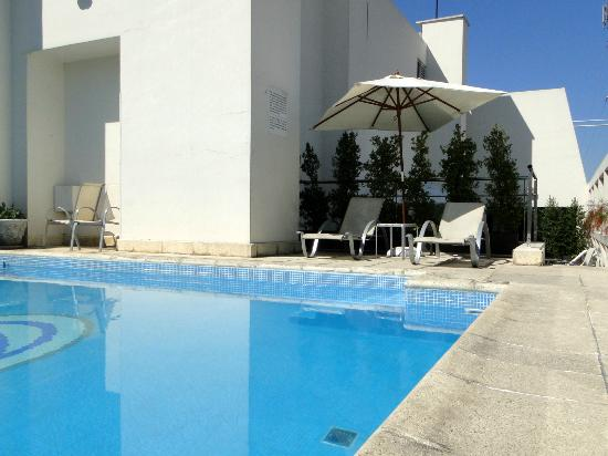 Argenta Tower Hotel and Suites: Swimming pool  @ the roof