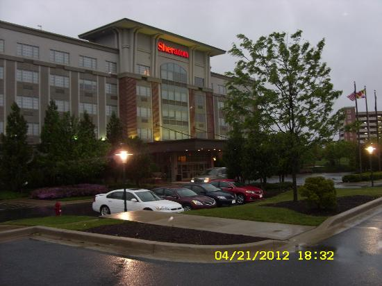 Sheraton Rockville Hotel: Outside--NW view